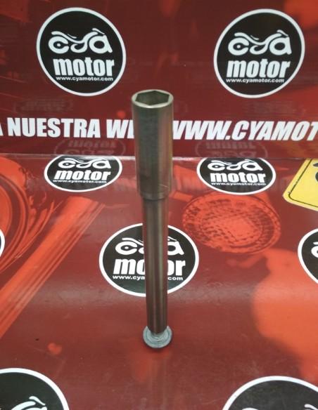 EJE rueda delantera bmw f 800gs (3)