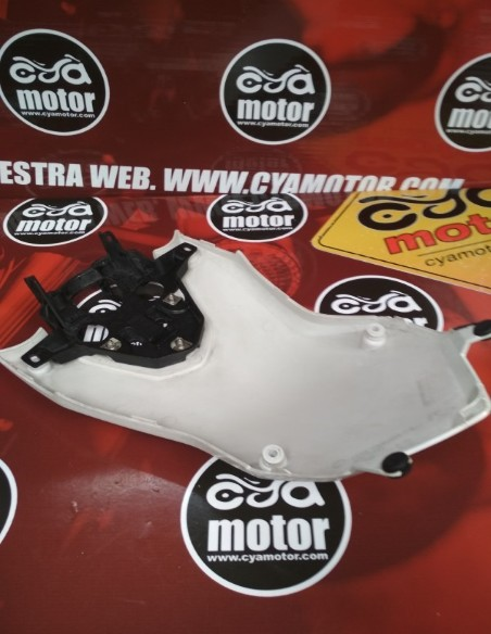 Carenado BMW F800GS 2010 (3)
